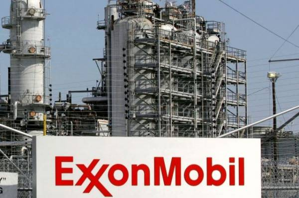 Exxon Mobil поддержит Парижское соглашение, несмотря на решение Трампа