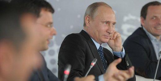 Владимир Путин: производство компьютеров в России выросло на 64,2%